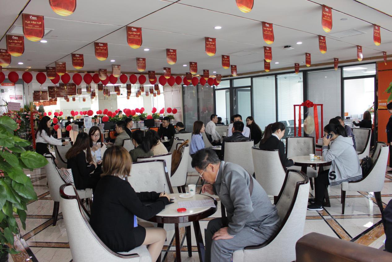上海顶呱呱开业